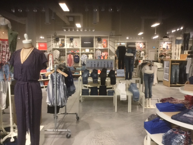 65ea75c16d7 Lucky Brand Jeans - Outlet Collection Winnipeg - G.M. Contracting Inc.